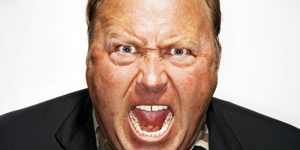 Alex Jones: Brillant artiste ou dangereux complotiste?